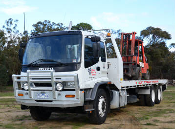 Tilt Tray Service located in Ararat. Move machinery